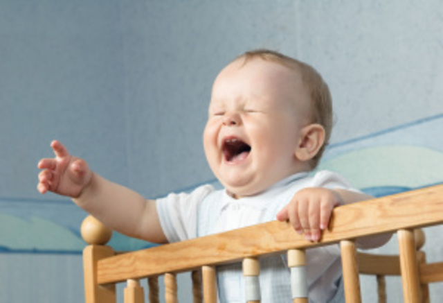 baby_crying_in_crib
