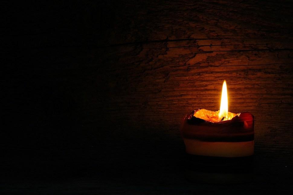 candle-546563_1920